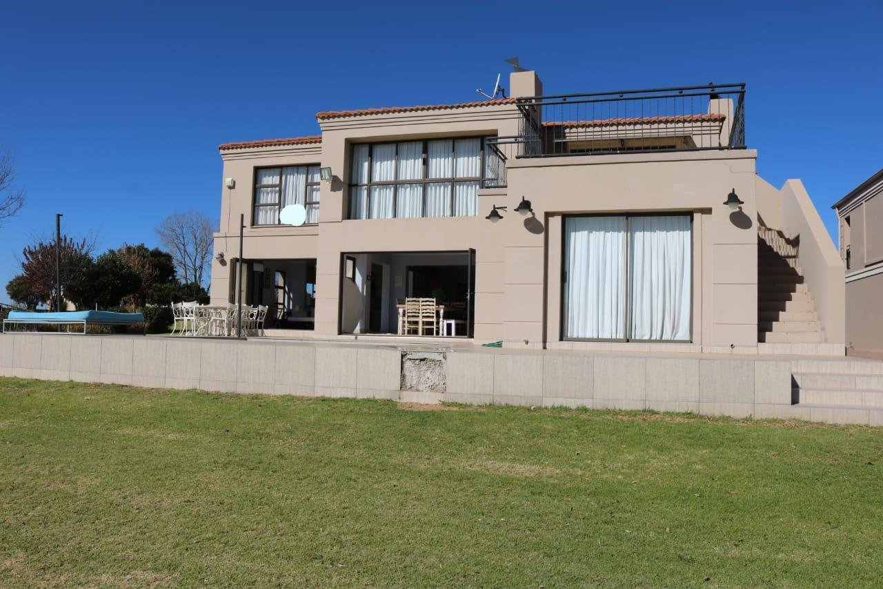 Property and Houses for sale in Sasolburg, Townhouse, 5 Bedrooms - ZAR 7,070,000