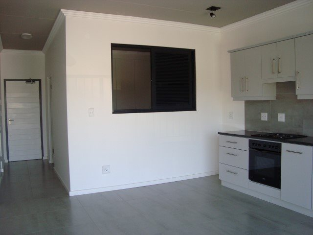 Kenilworth property to rent. Ref No: 13552415. Picture no 5