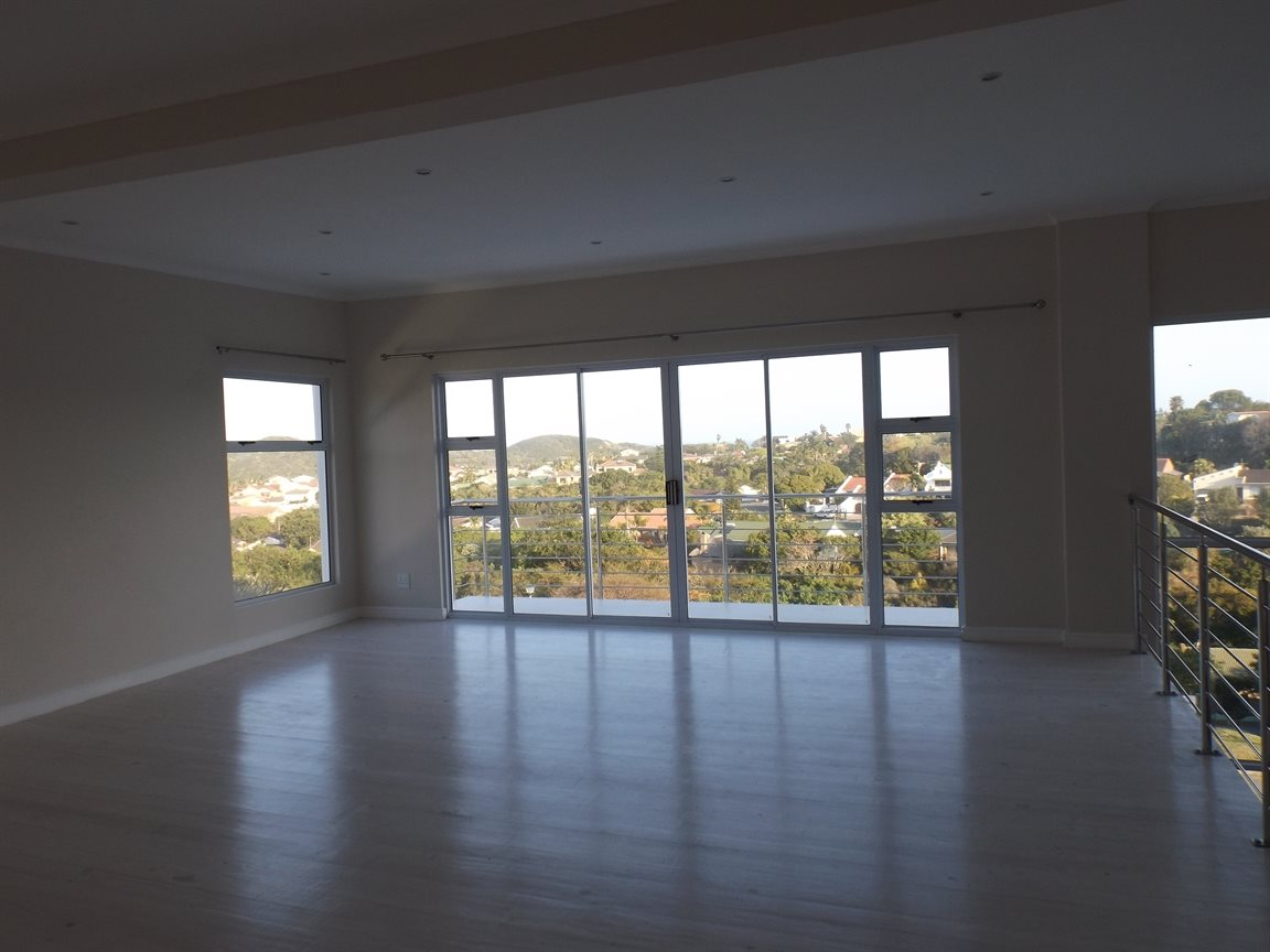 Beacon Bay property for sale. Ref No: 13362713. Picture no 8