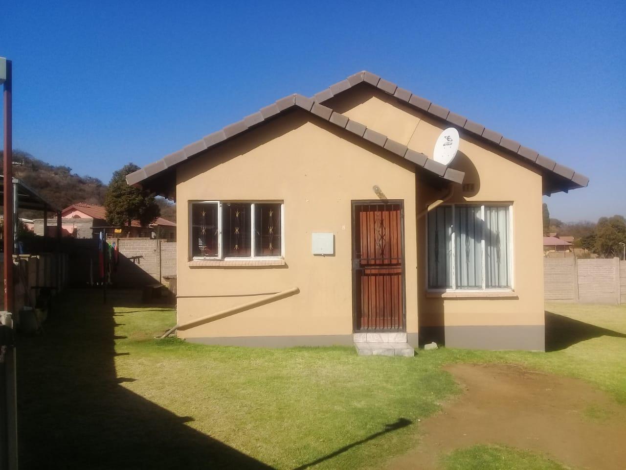 , Townhouse, 2 Bedrooms - ZAR 630,000