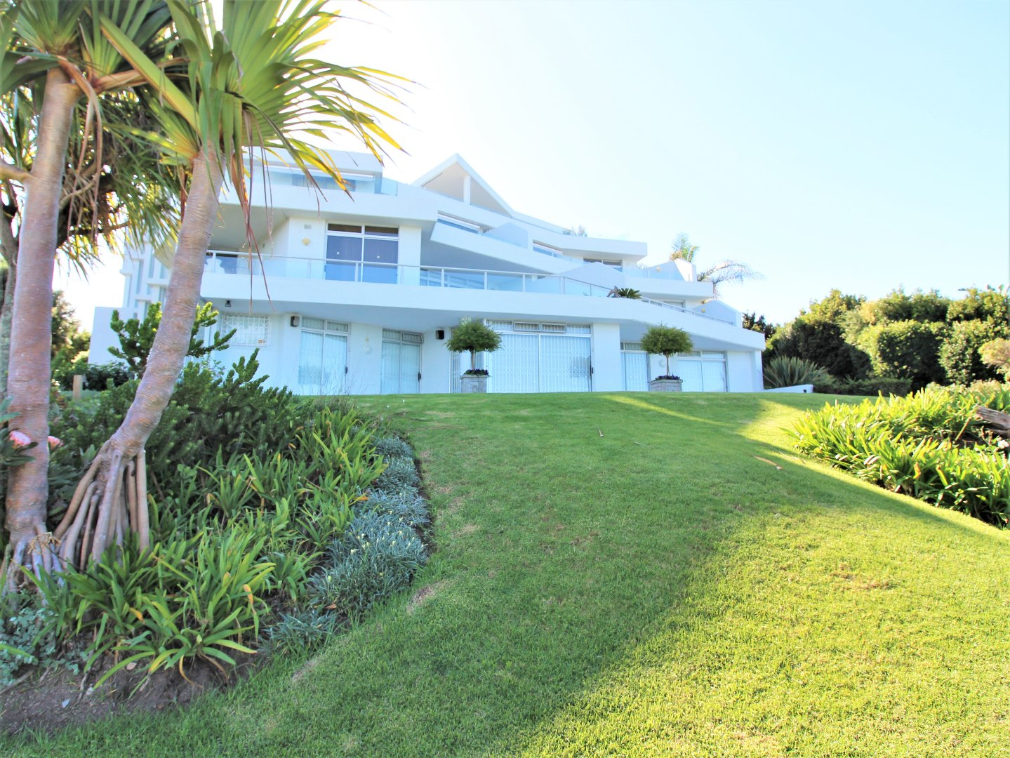 Plettenberg Bay, Signal Hill Property    Houses For Sale Signal Hill (Garden Route), Signal Hill, Apartment 4 bedrooms property for sale Price:5,500,000