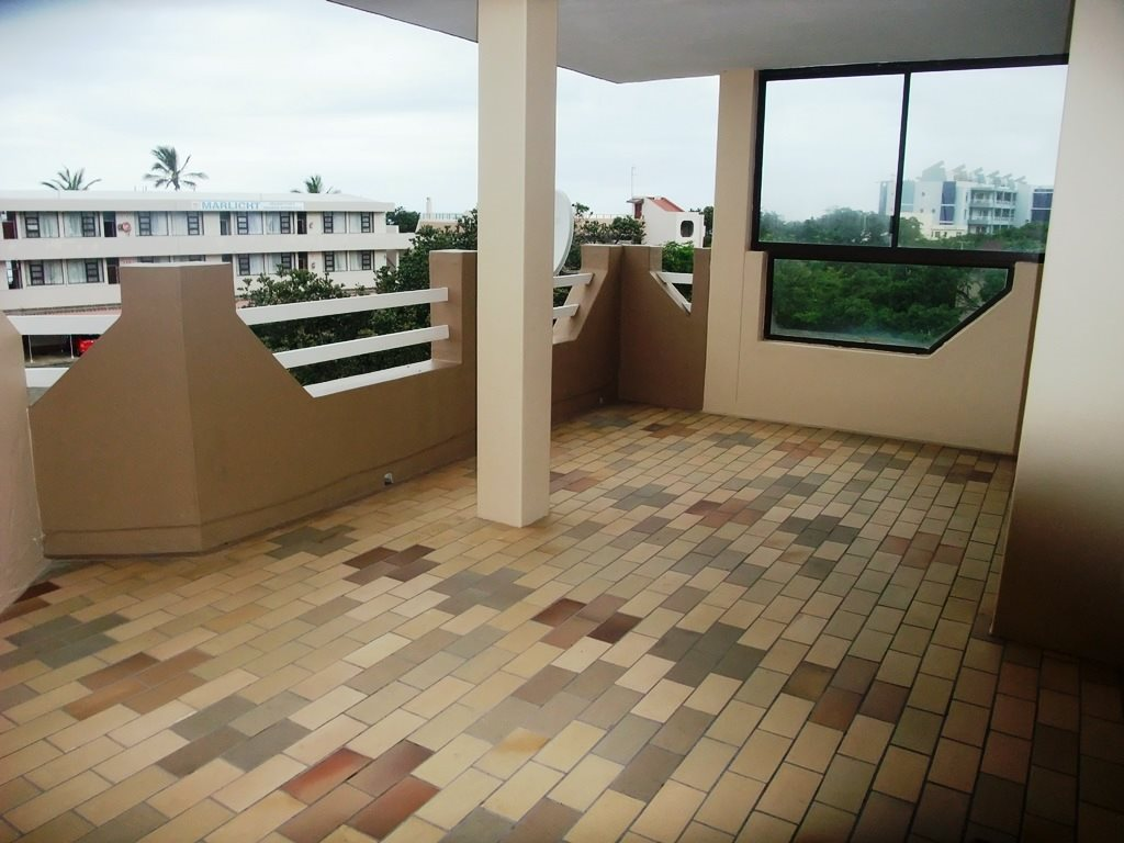 Margate property for sale. Ref No: 12775009. Picture no 7