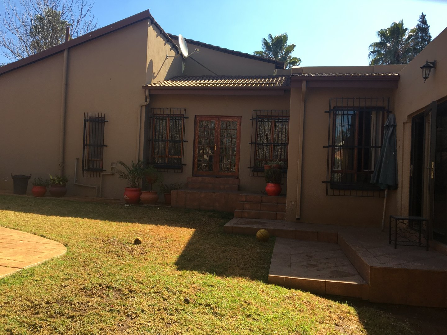 Property and Houses for sale in Heuweloord, House, 3 Bedrooms - ZAR 1,595,000
