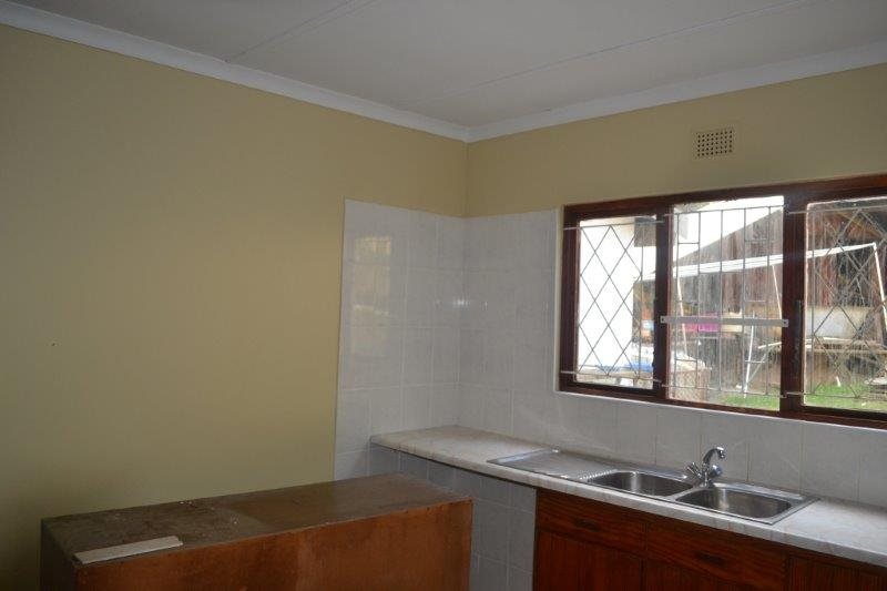 Uvongo for sale property. Ref No: 13229892. Picture no 14