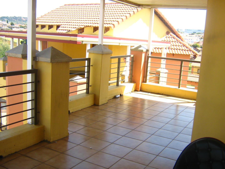 Mondeor property for sale. Ref No: 13525977. Picture no 22