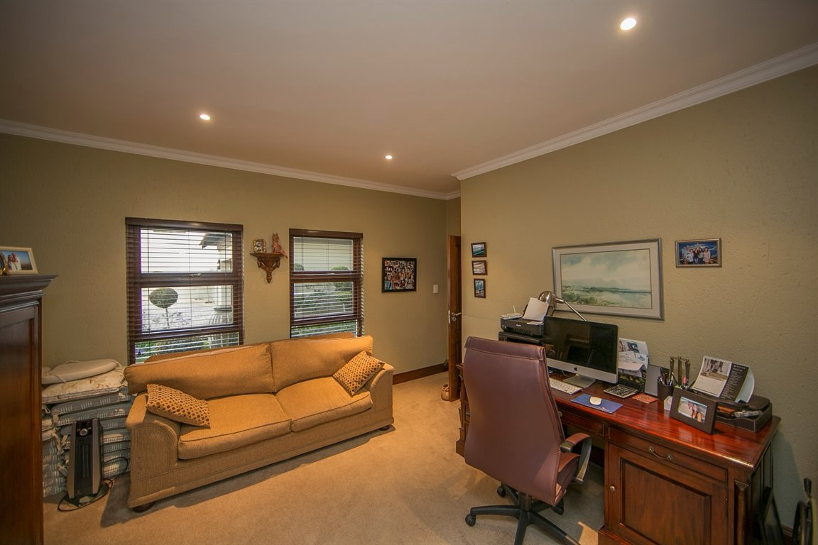 Fourways property for sale. Ref No: 13401727. Picture no 8
