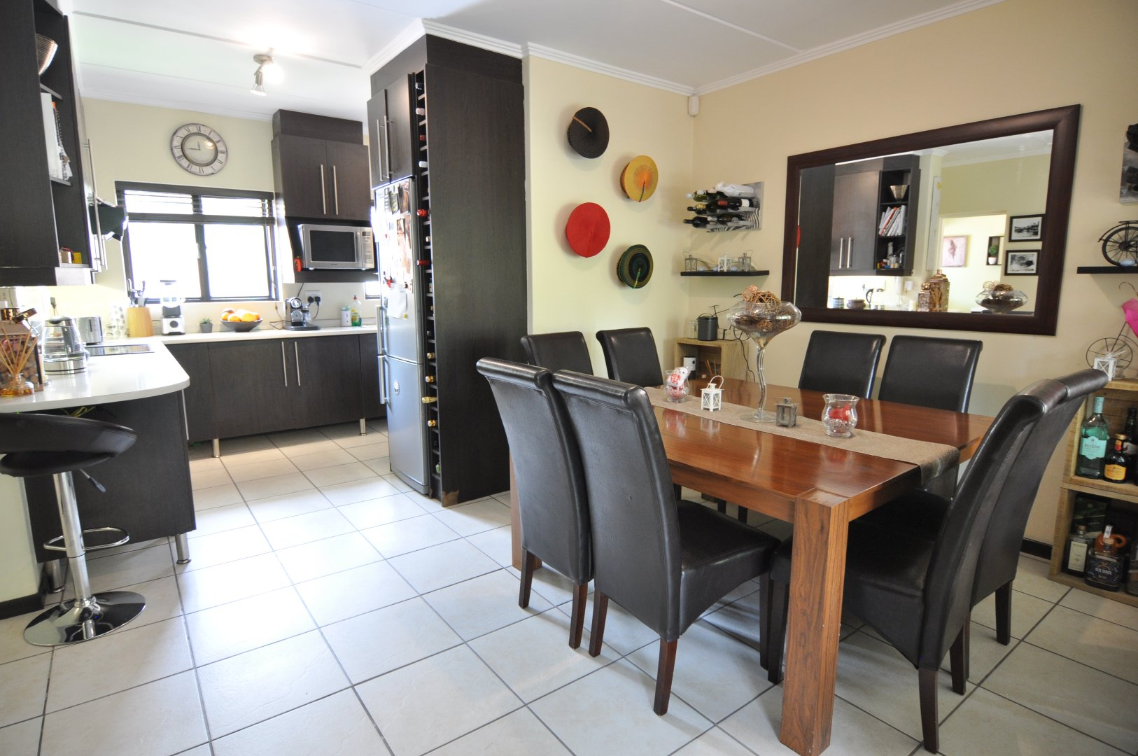 Douglasdale to rent property. Ref No: 13598647. Picture no 5