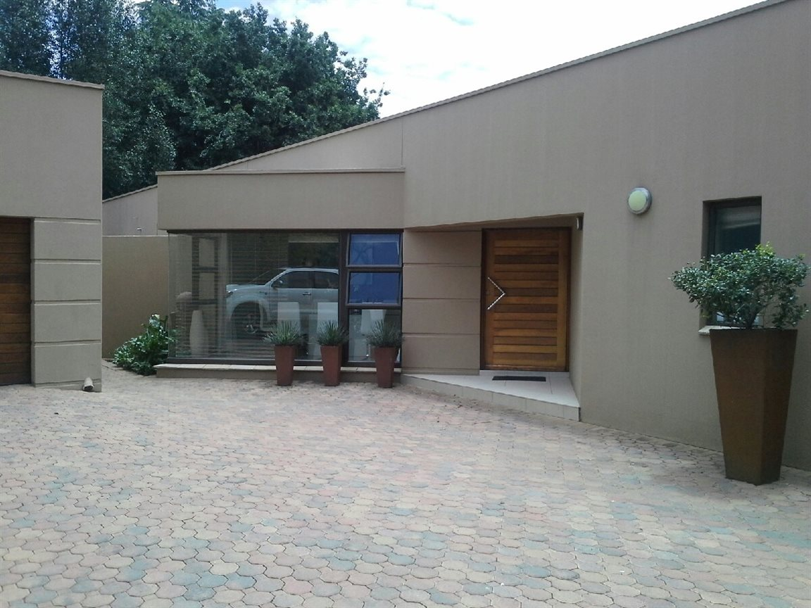 Three Rivers Proper property for sale. Ref No: 13267861. Picture no 38