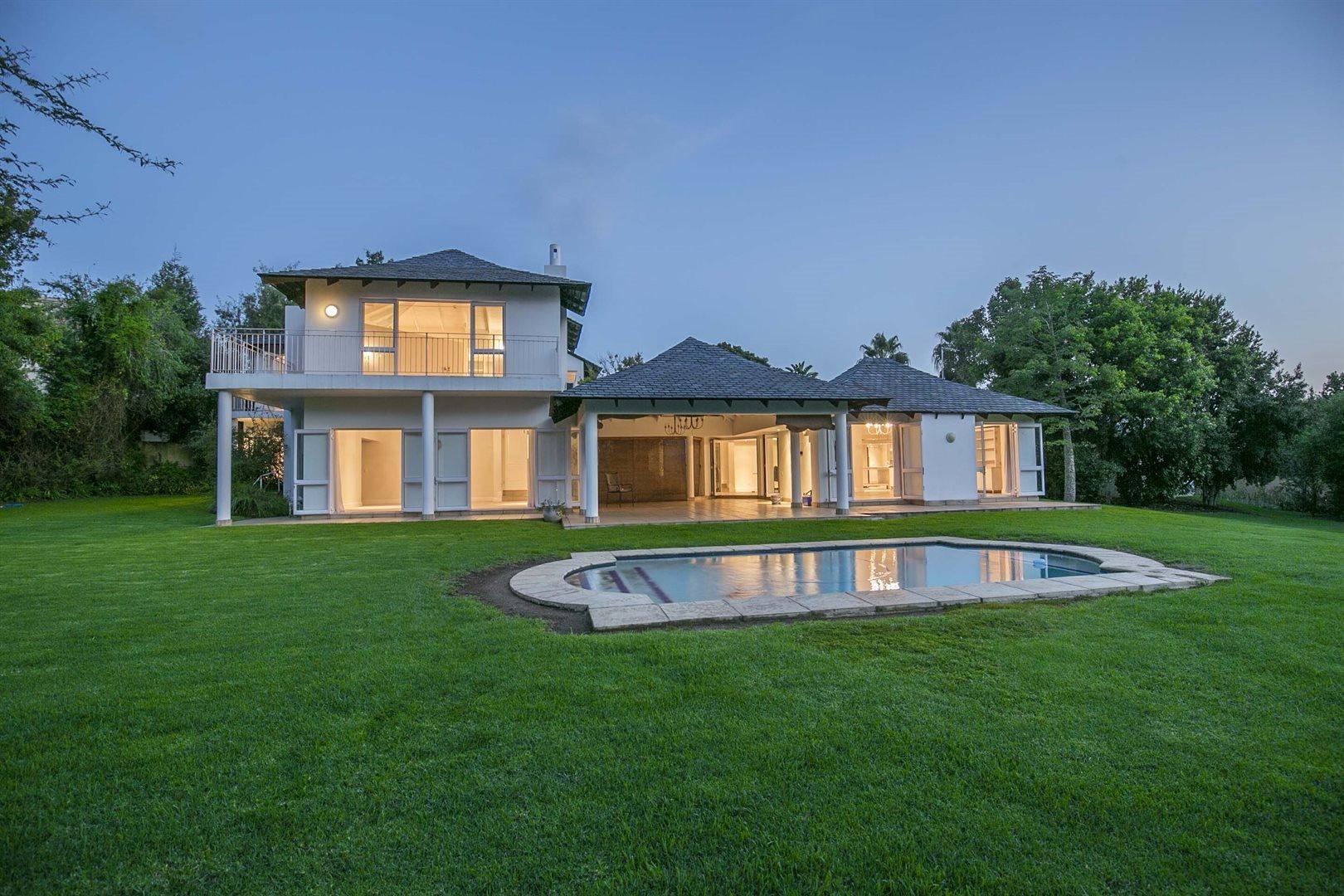 Dainfern Golf Estate property for sale. Ref No: 13474180. Picture no 2