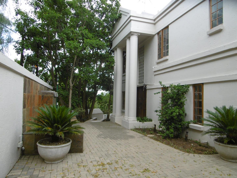 Bryanston property for sale. Ref No: 13443961. Picture no 6