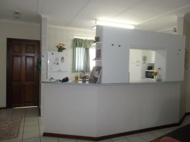 Pennington property to rent. Ref No: 13500690. Picture no 3