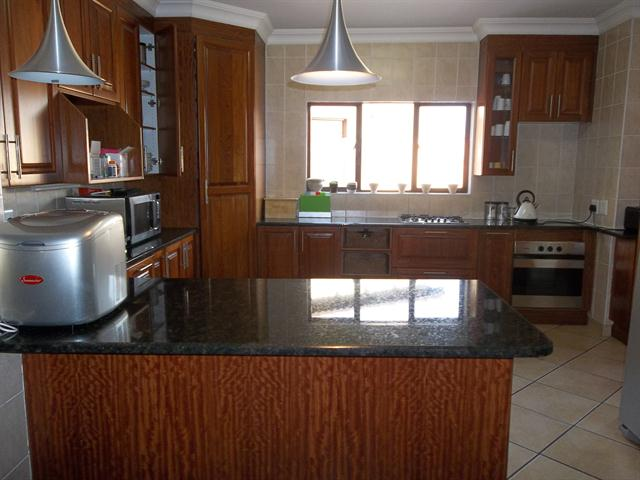Midstream Estate property to rent. Ref No: 13482119. Picture no 7