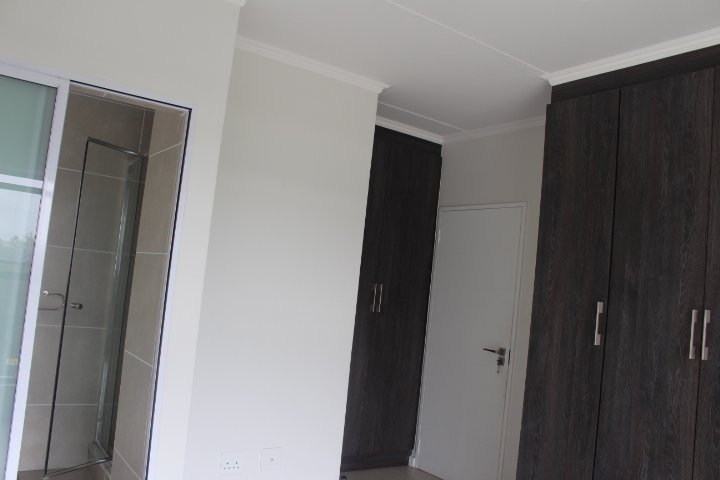 Rivonia property to rent. Ref No: 13585242. Picture no 11