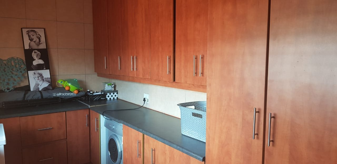 Dalview property for sale. Ref No: 13696599. Picture no 11