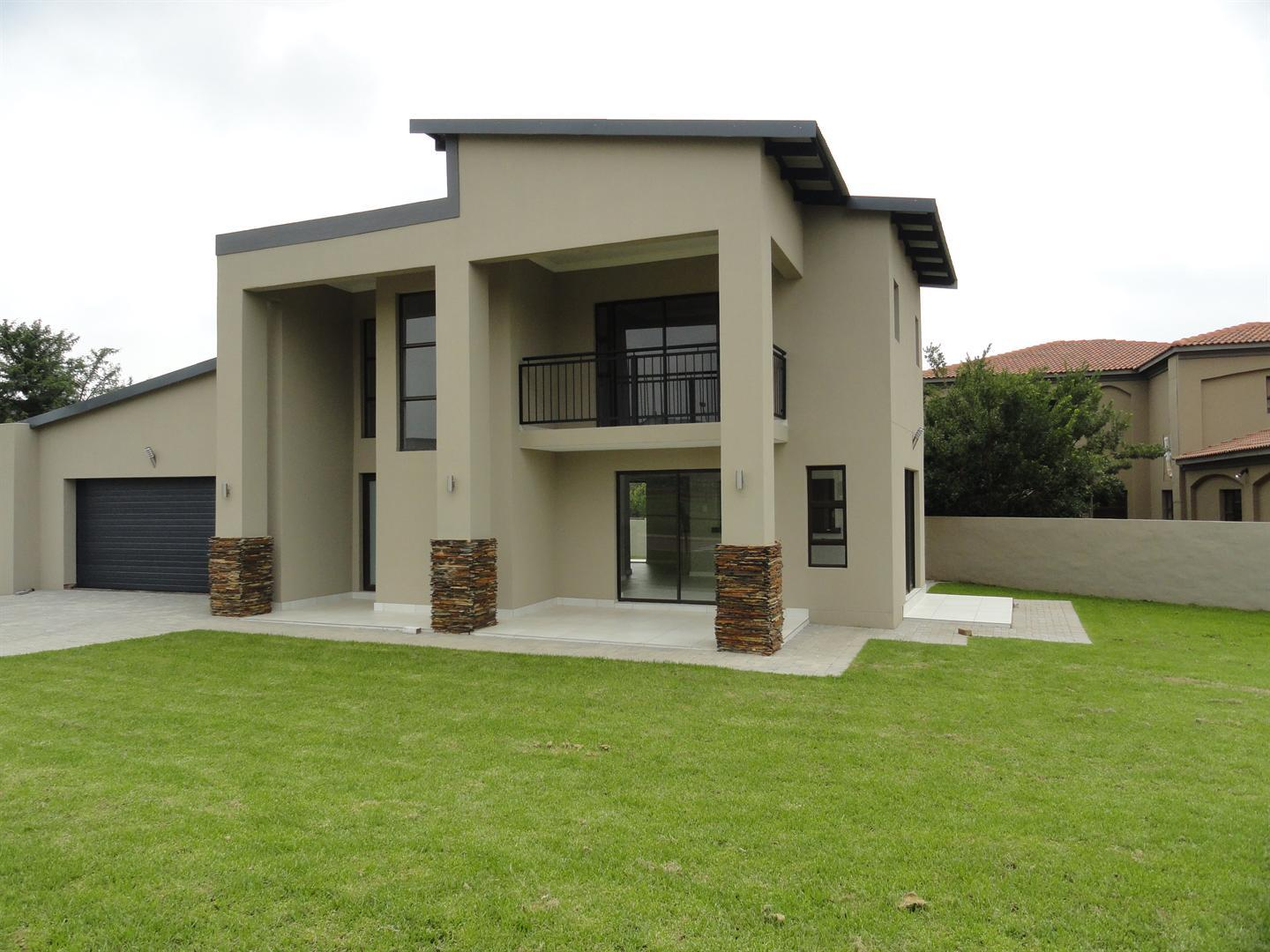 Property and Houses for sale in Newmark Estate, House, 4 Bedrooms - ZAR 2,690,000