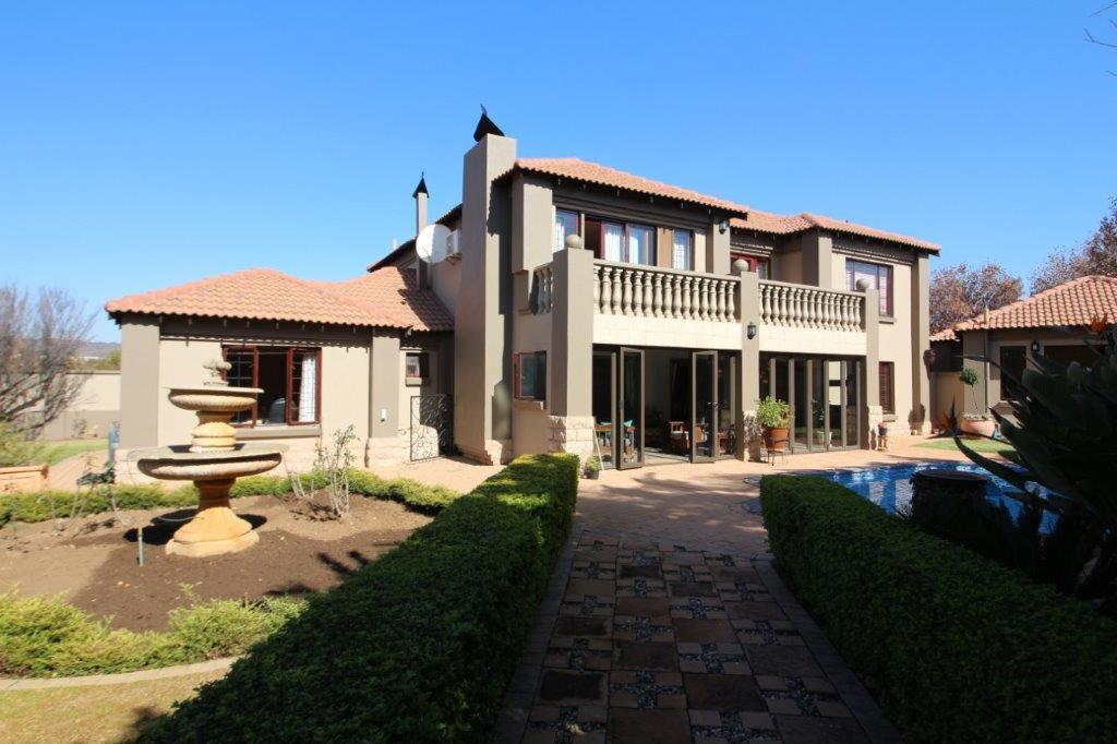 , House, 4 Bedrooms - ZAR 3,996,000