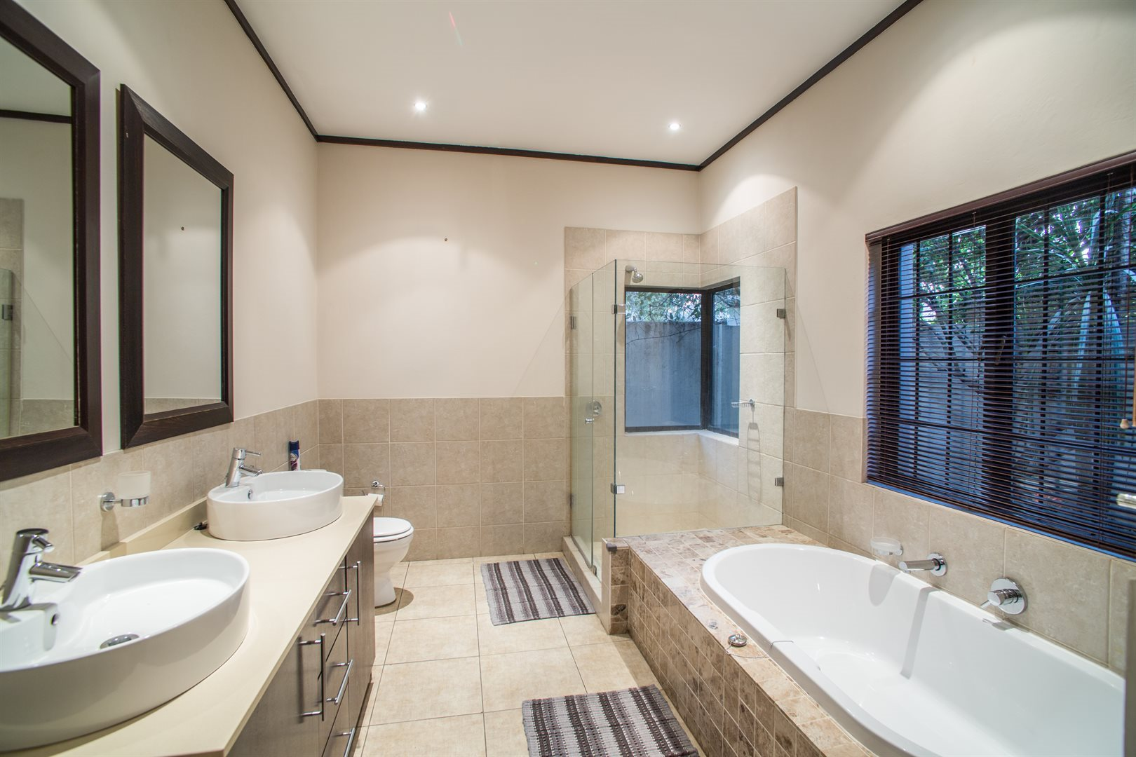 Lonehill property for sale. Ref No: 13529904. Picture no 13