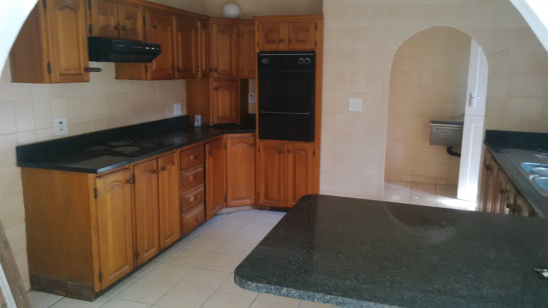 Doonside property for sale. Ref No: 13522465. Picture no 8
