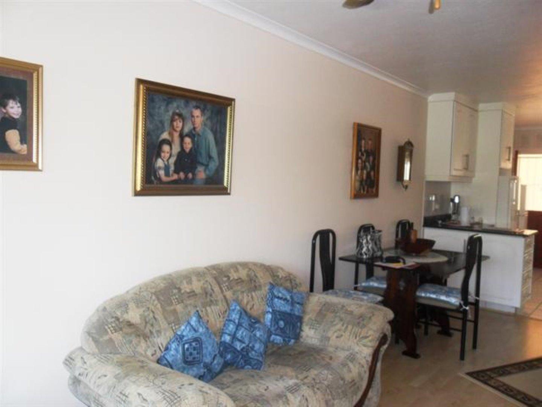 Scottburgh Central property for sale. Ref No: 12726934. Picture no 12