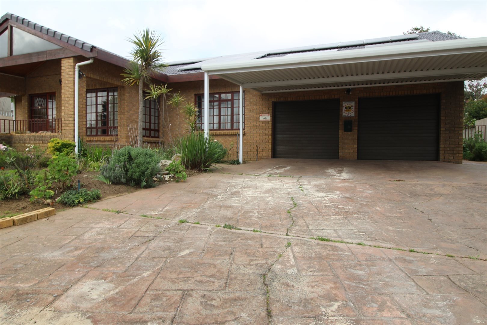 Property and Houses for sale in Die Boord, House, 4 Bedrooms - ZAR 4,100,000