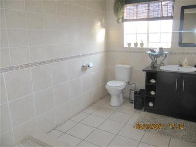 Three Rivers property for sale. Ref No: 13265987. Picture no 15