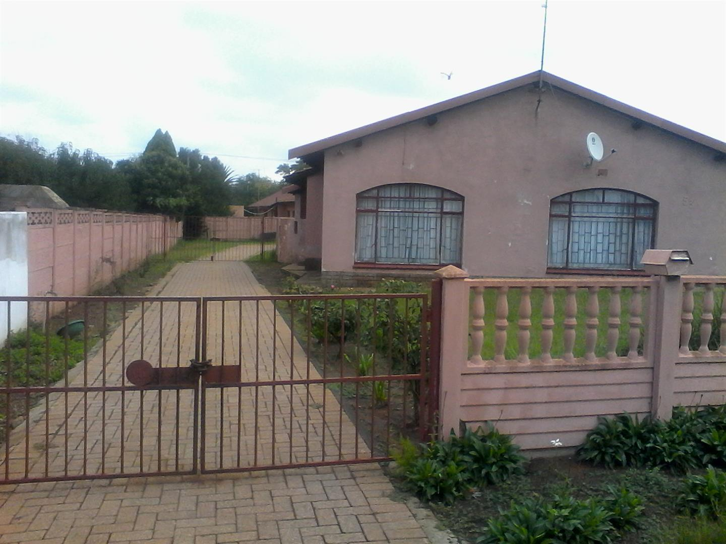 Steel Park property for sale. Ref No: 13462018. Picture no 4