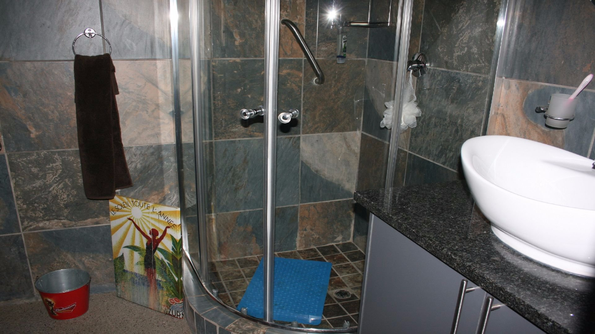 Greenhills property for sale. Ref No: 13553315. Picture no 23