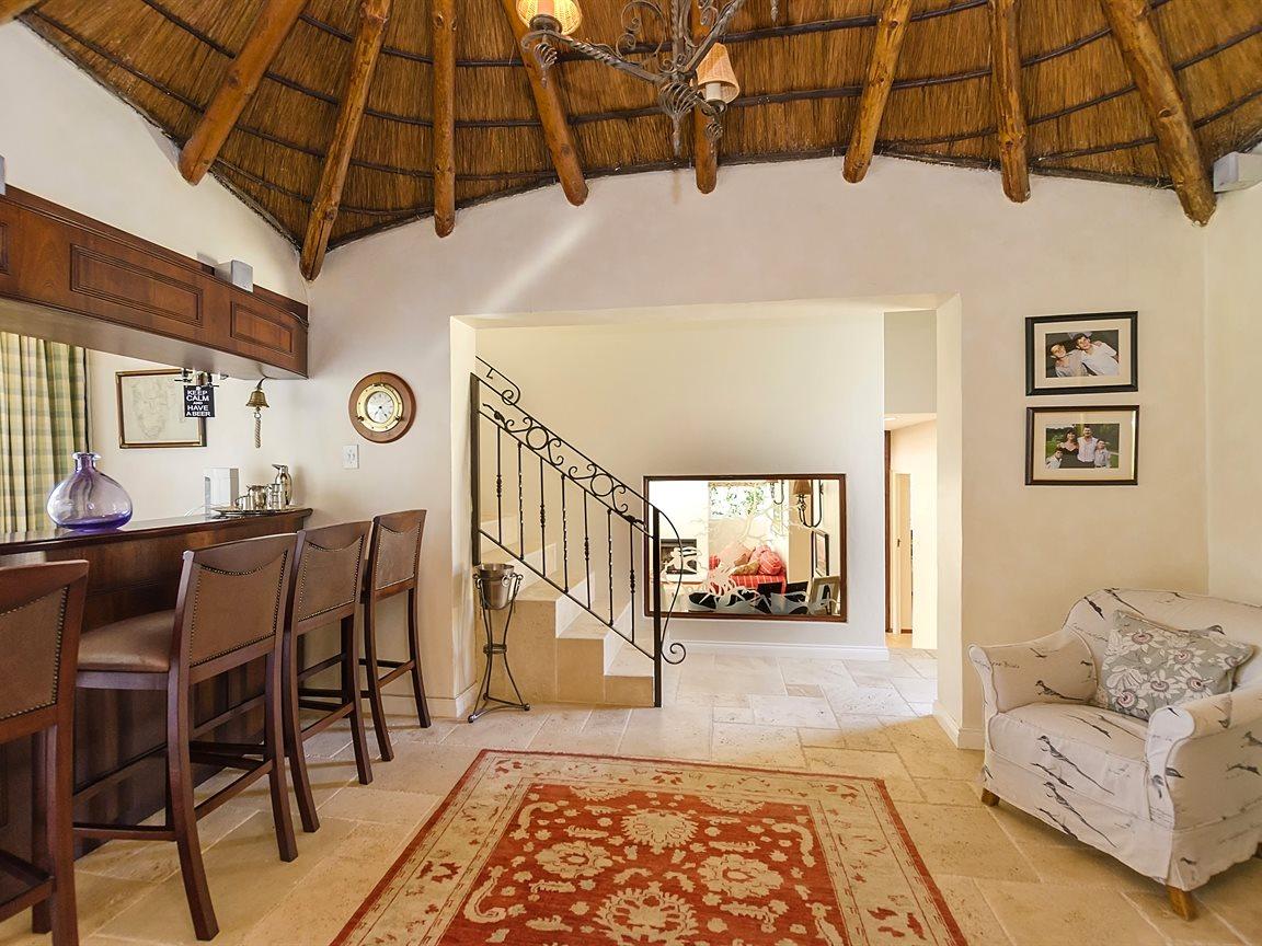 Bryanston property for sale. Ref No: 13434555. Picture no 2