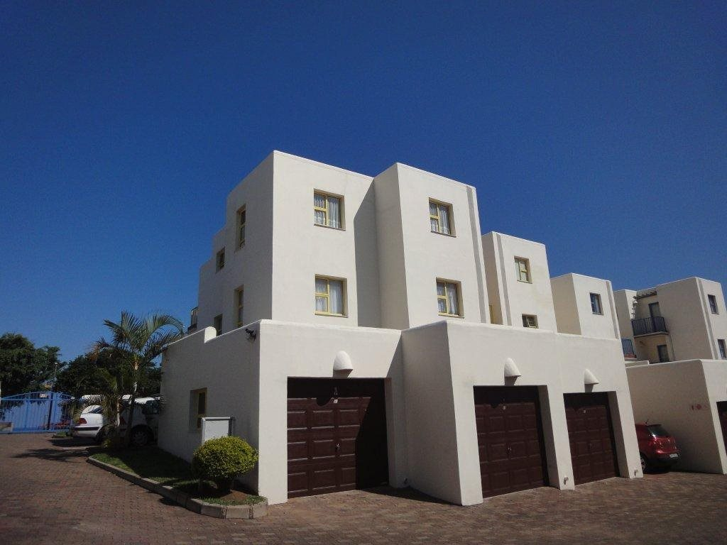Uvongo property for sale. Ref No: 12774968. Picture no 2