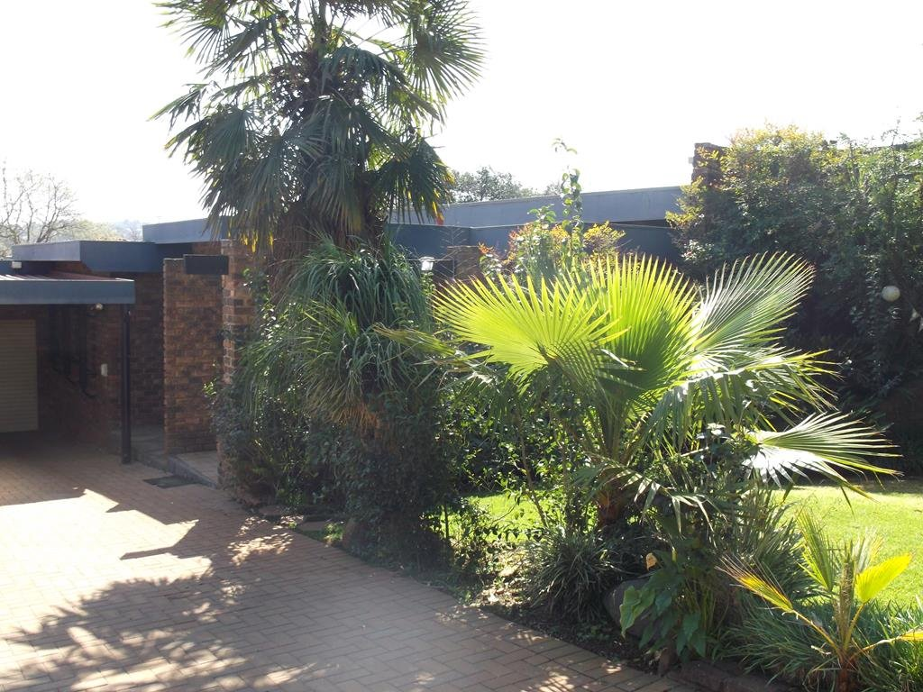Bronberrick property for sale. Ref No: 13380423. Picture no 32