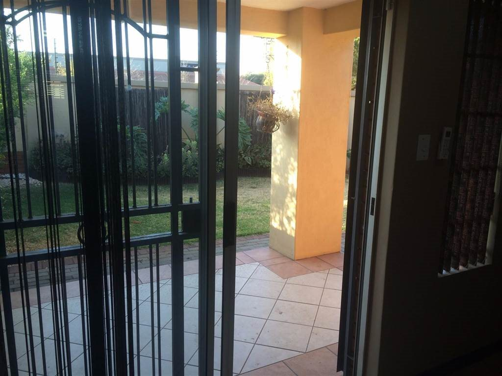Eco Park Estate property for sale. Ref No: 13552428. Picture no 9