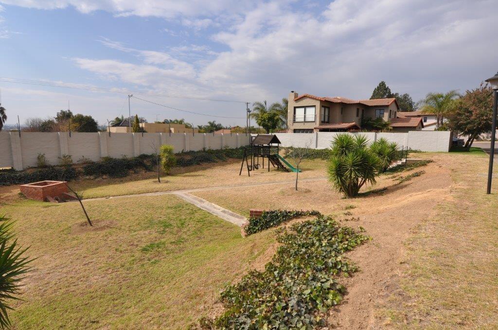 Broadacres property to rent. Ref No: 13503978. Picture no 13