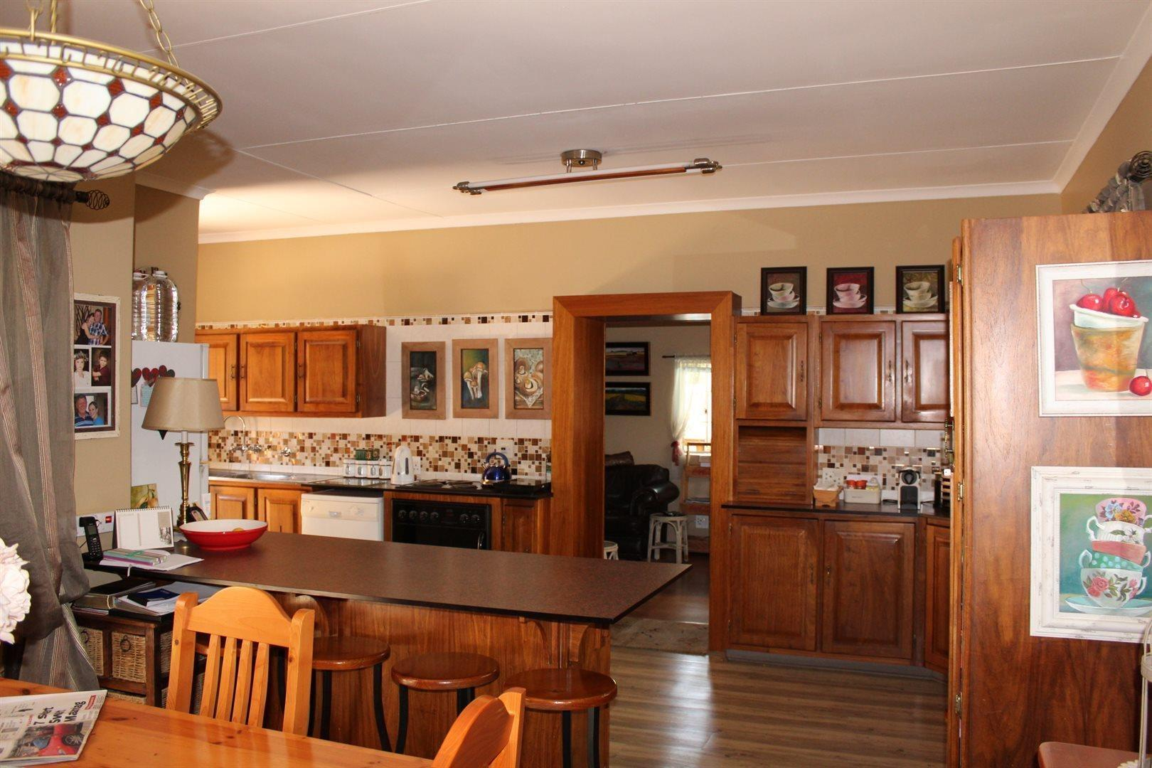 Karenpark property for sale. Ref No: 13566728. Picture no 4