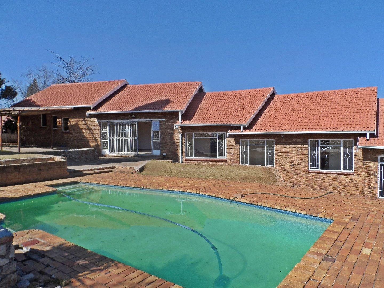 Krugersdorp, Rant En Dal Property  | Houses For Sale Rant En Dal, Rant En Dal, House 3 bedrooms property for sale Price:1,615,000