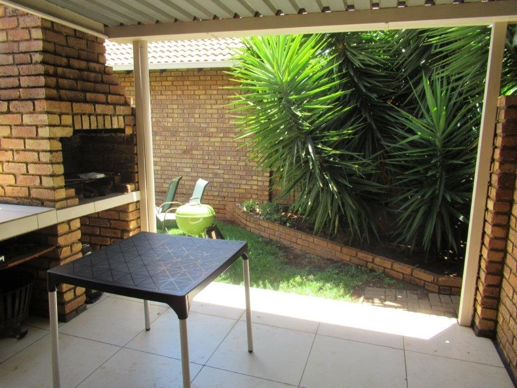 Highveld property for sale. Ref No: 13566297. Picture no 8