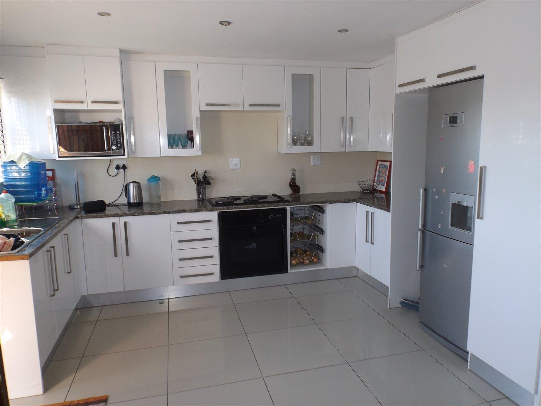 Property for Sale by DLC INC. ATTORNEYS Ernest De La Querra, House, 4 Bedrooms - ZAR 895,000