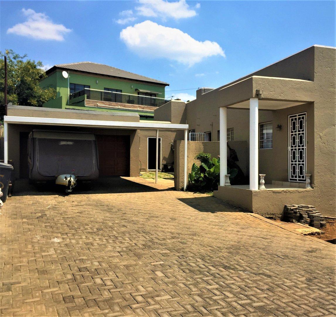 Krugersdorp, Noordheuwel Property  | Houses For Sale Noordheuwel, Noordheuwel, House 4 bedrooms property for sale Price:1,695,000