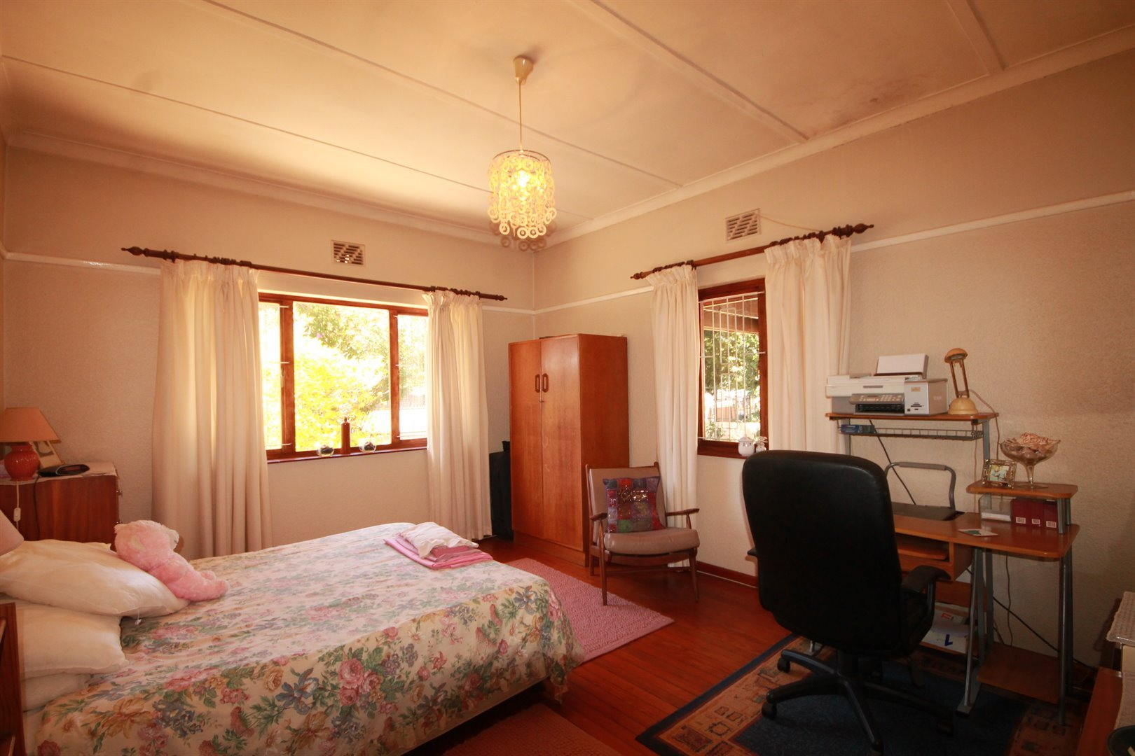 Pinelands property for sale. Ref No: 13463493. Picture no 14