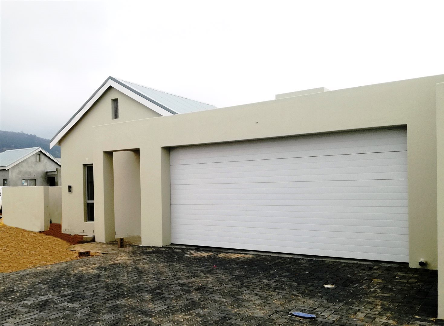 Property and Houses for sale in Paarl North, House, 3 Bedrooms - ZAR 2,315,000