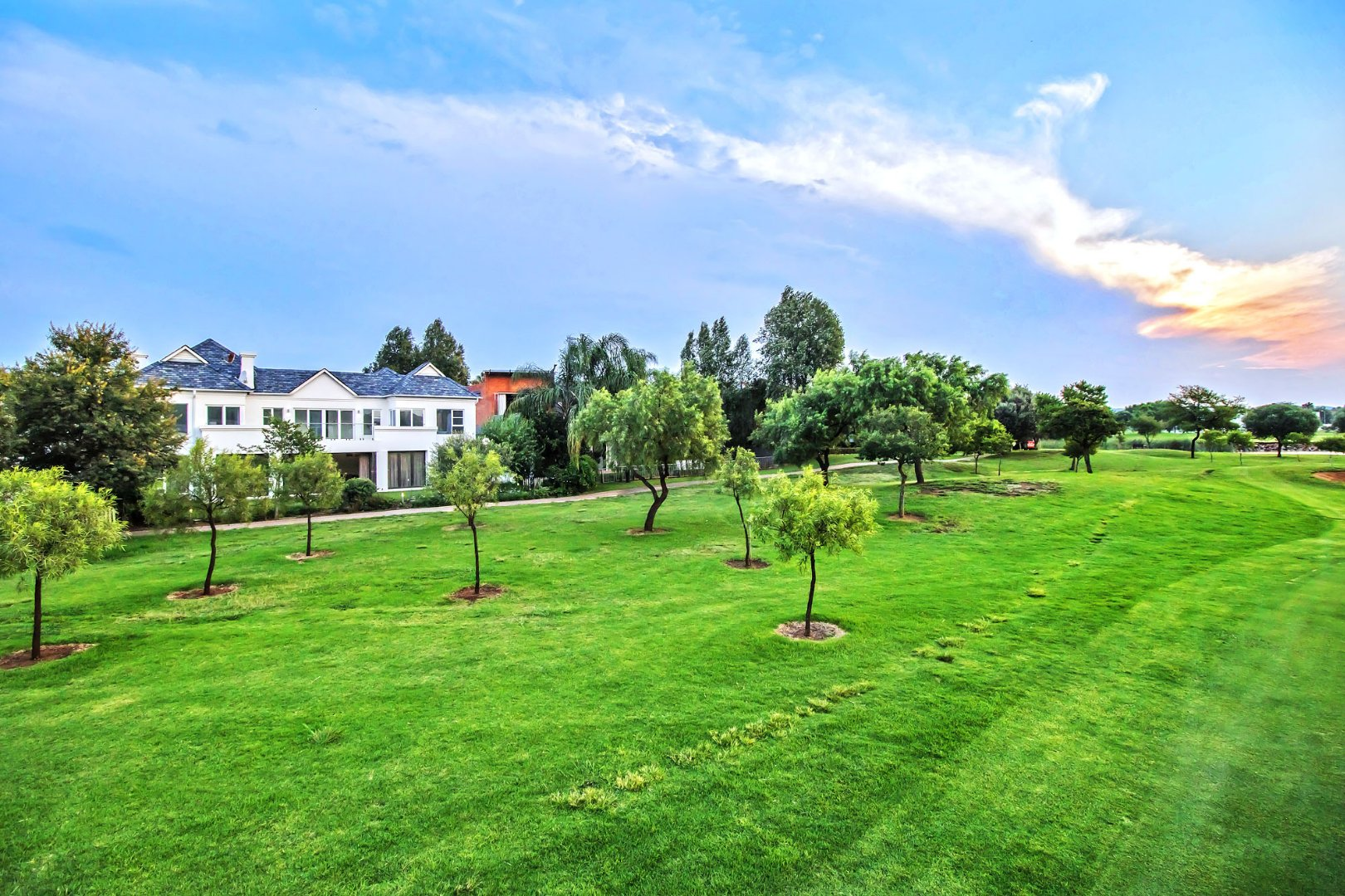 Property and Houses for sale in Silver Lakes Golf Estate, House, 5 Bedrooms - ZAR 10,500,000
