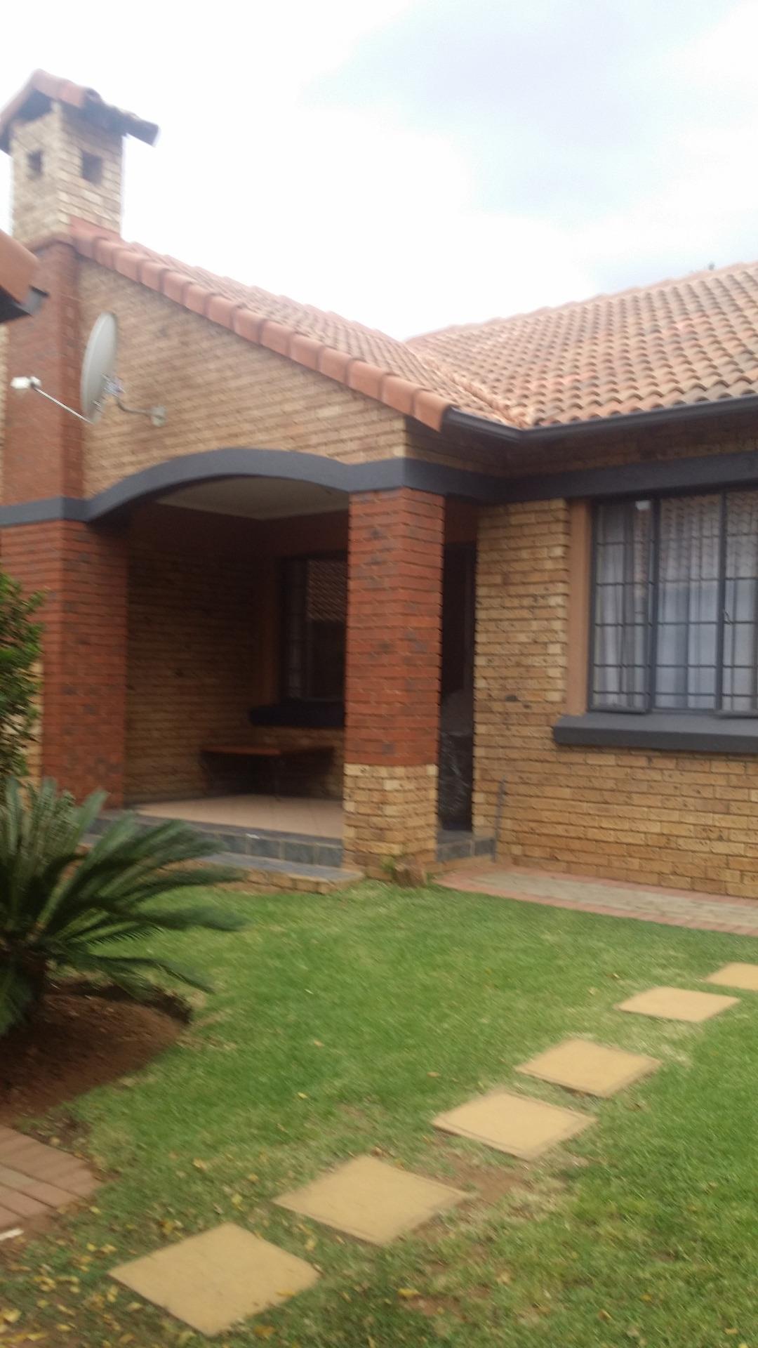 Pretoria, Equestria Property  | Houses To Rent Equestria, Equestria, Townhouse 3 bedrooms property to rent Price:, 13,00*