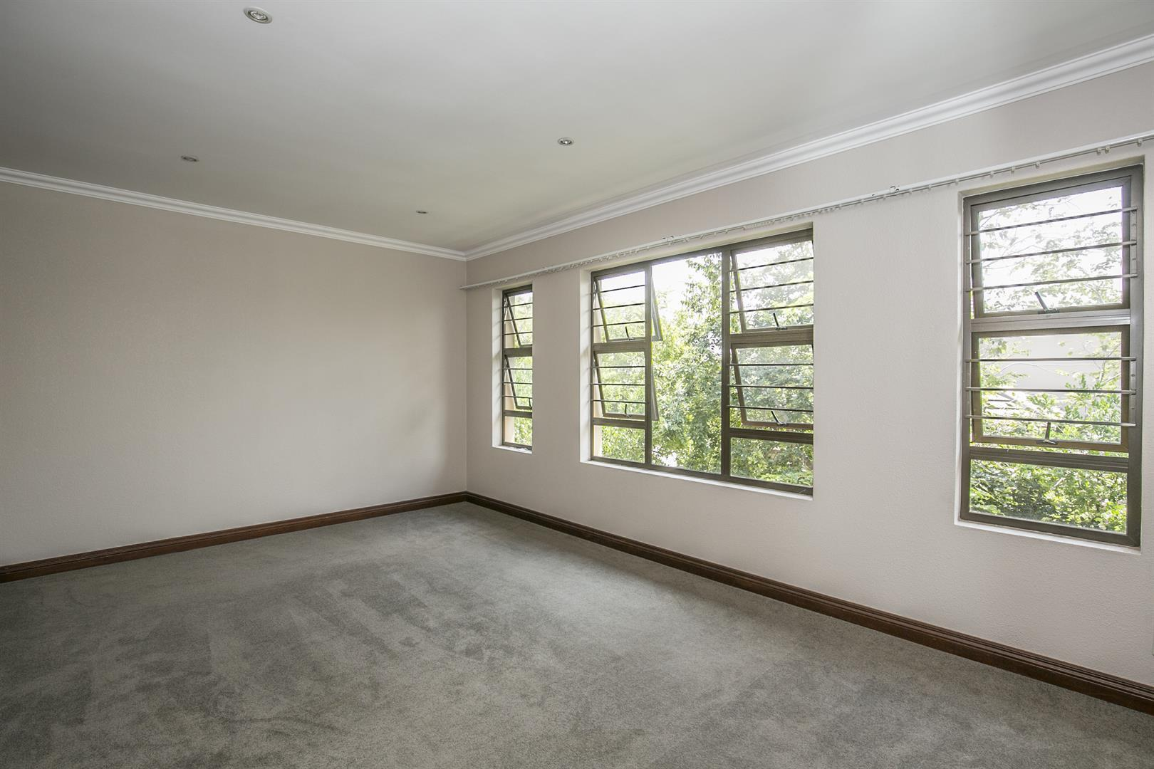 Fourways property for sale. Ref No: 13458374. Picture no 11