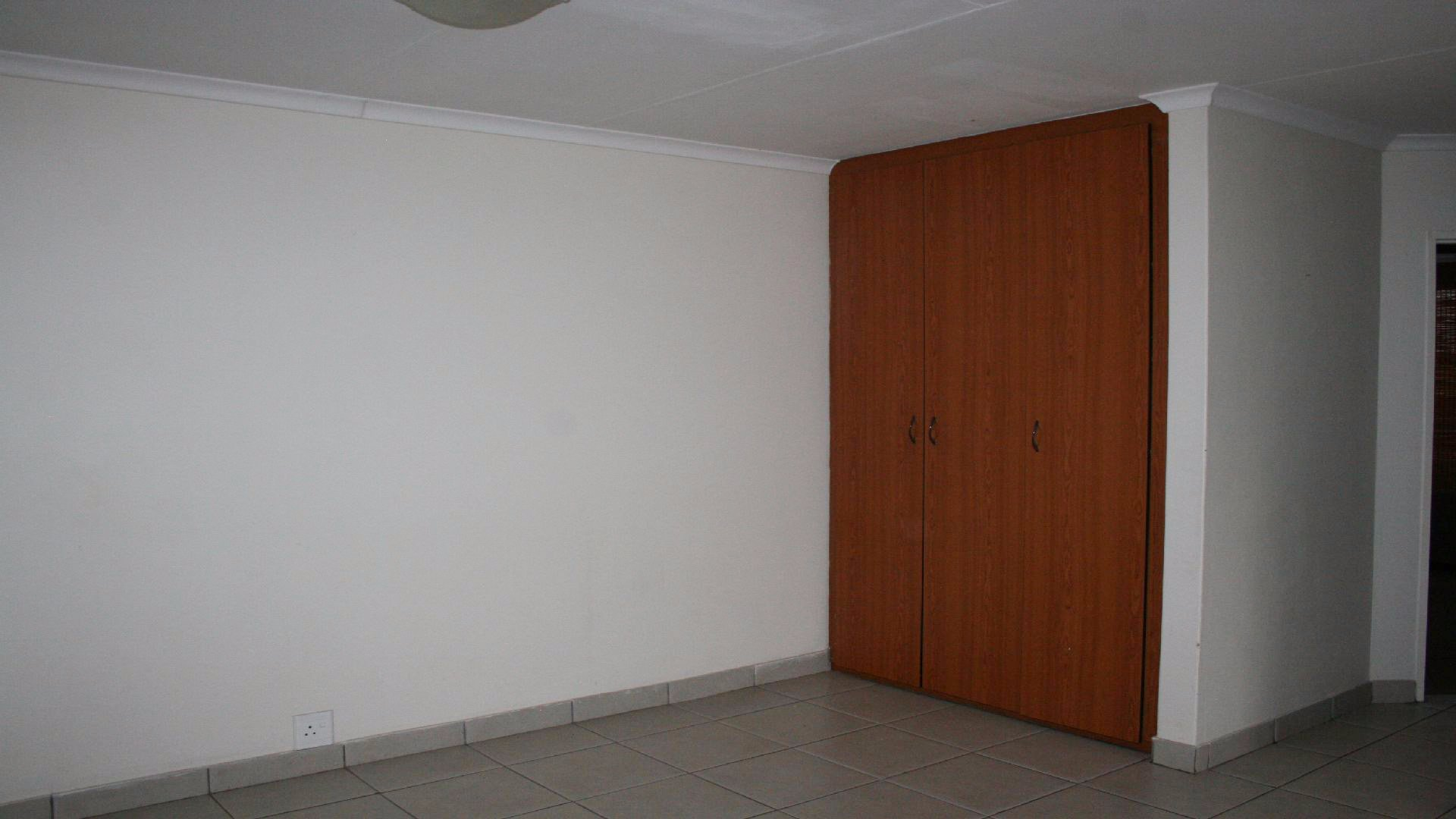 Randpoort property for sale. Ref No: 13537837. Picture no 10