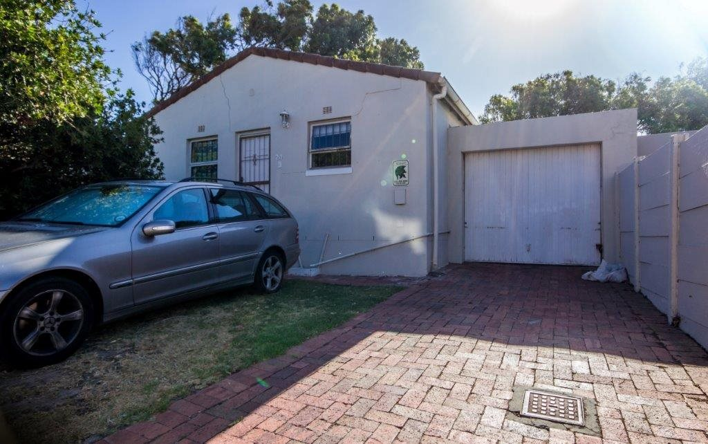 Property and Houses for sale in Sunnydale, House, 2 Bedrooms - ZAR 1,250,000