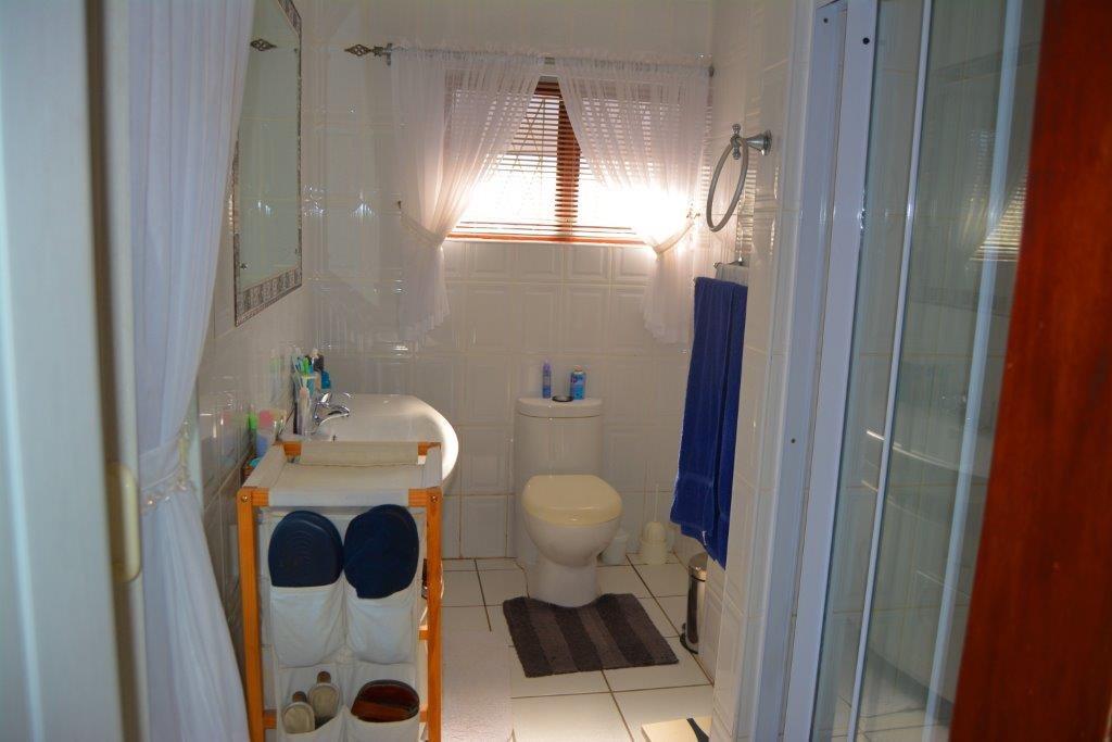Oslo Beach property for sale. Ref No: 12794042. Picture no 11