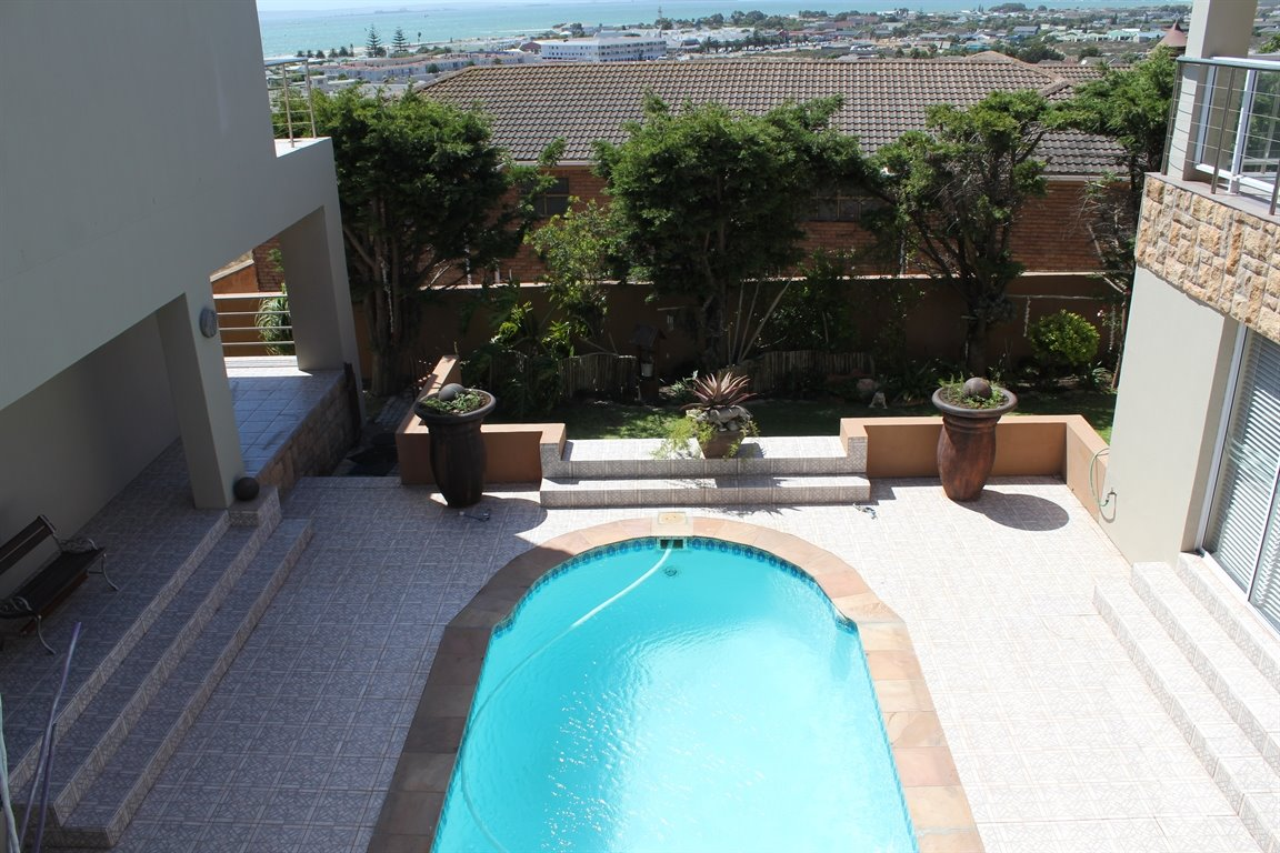 Middedorp property for sale. Ref No: 13269339. Picture no 10