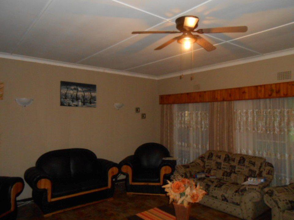 Mooilande property for sale. Ref No: 13400417. Picture no 6
