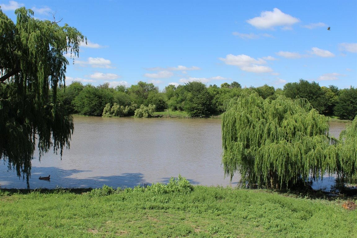 Potchefstroom property for sale. Ref No: 13414707. Picture no 12