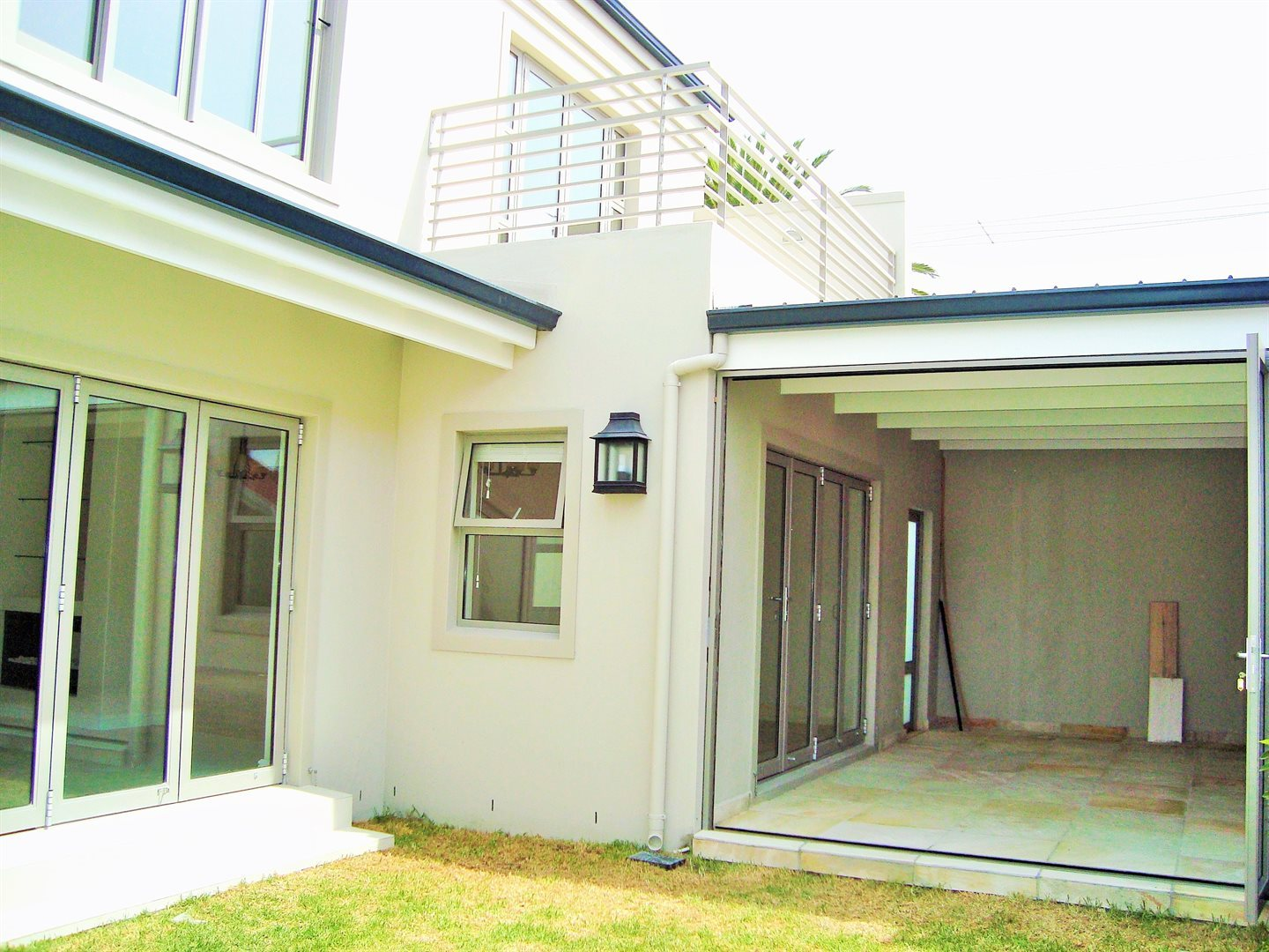Claremont property to rent. Ref No: 13575482. Picture no 21