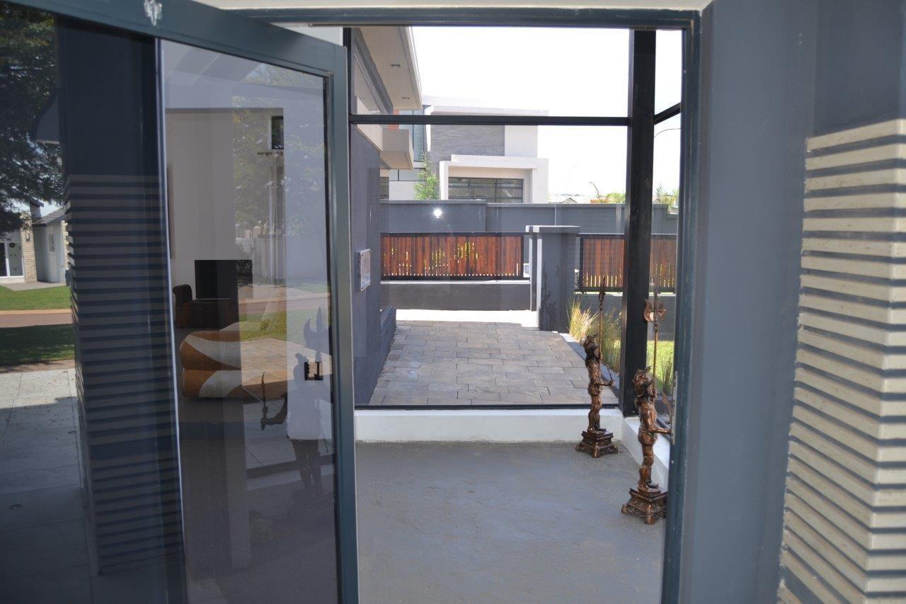 Midstream Hill Estate property for sale. Ref No: 13584239. Picture no 4